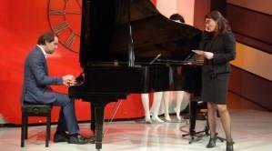 dr-albuqueque-at-the-piano